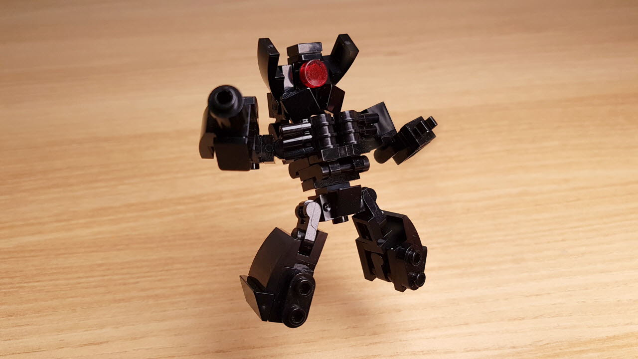 Red one eye (similar with Shockwave)